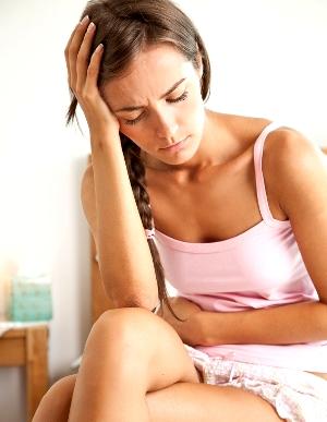 месячные болит живот и голова причины