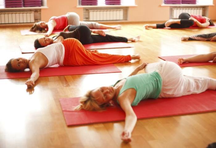 йога при месячных спорт