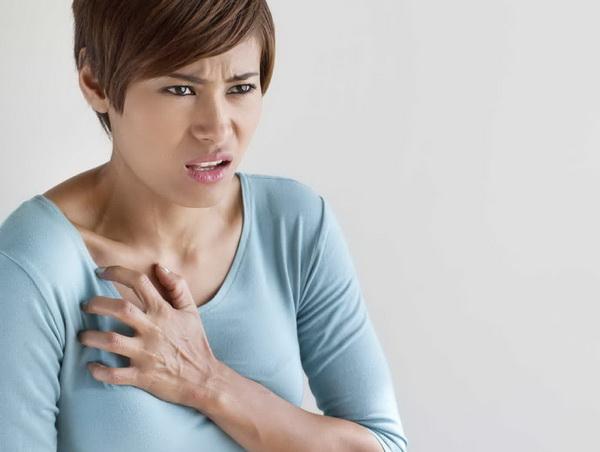 почему перестала болеть грудь перед месячными