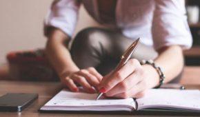 Миниатюра к статье Почему менструация не заканчивается целый месяц?