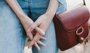 Миниатюра к статье Можно ли принимать Флуконазол в период менструации?