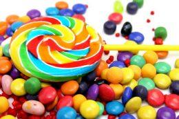 почему во время месячных хочется сладкого